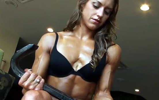 Klitoris Bodybuilder ficken Große Bodybuilder Clit